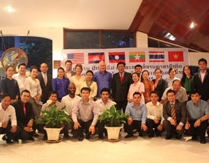 Lao Officials Graduate from Third Year of U S  English