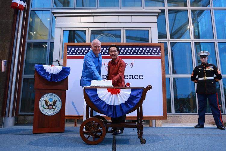 Independence (KS) United States  city photo : United States Celebrates Independence Day | U.S. Embassy in Laos